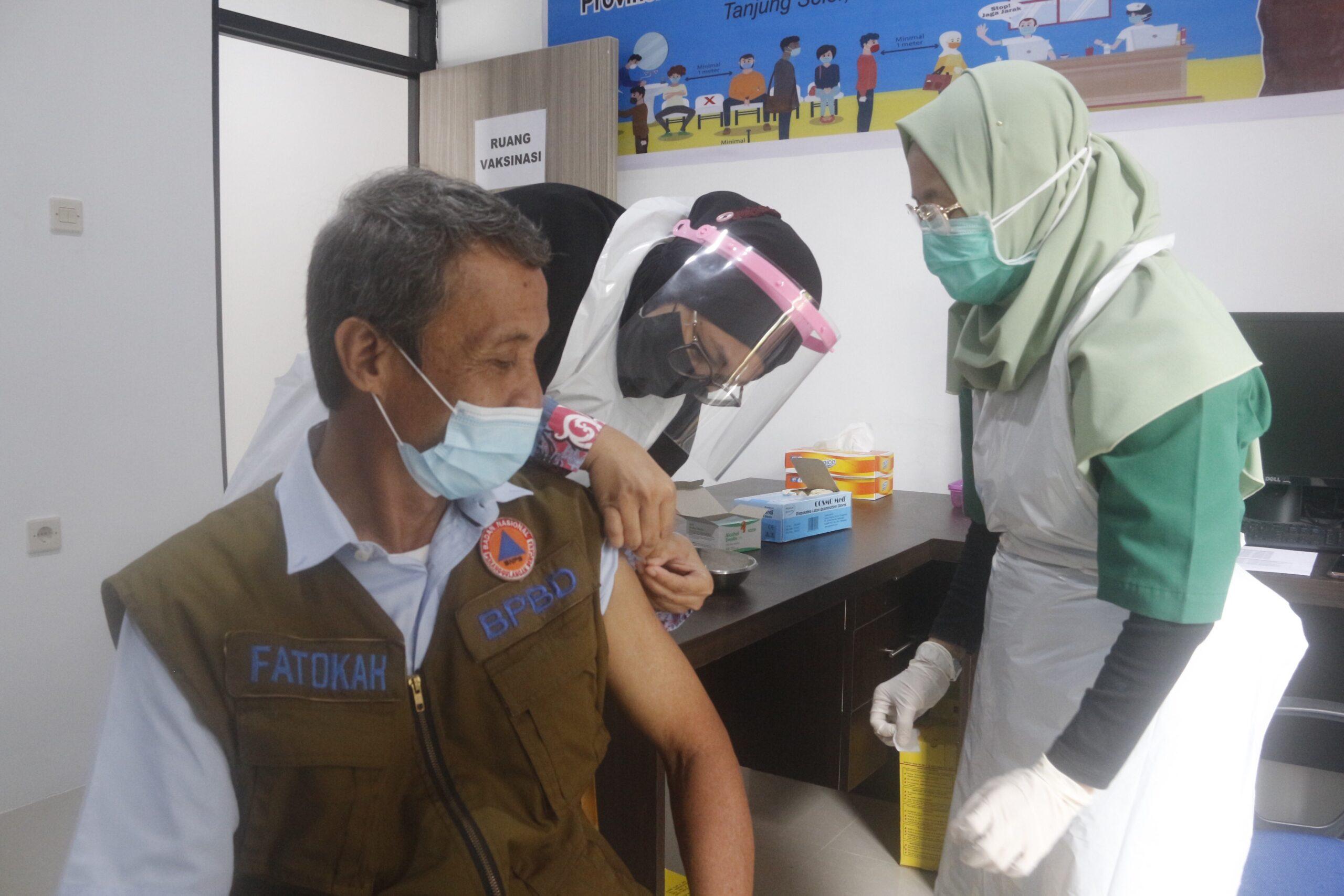 Vaksinasi Pertama Bagi Tenaga Kesehatan di Bulungan Hampir 100 Persen