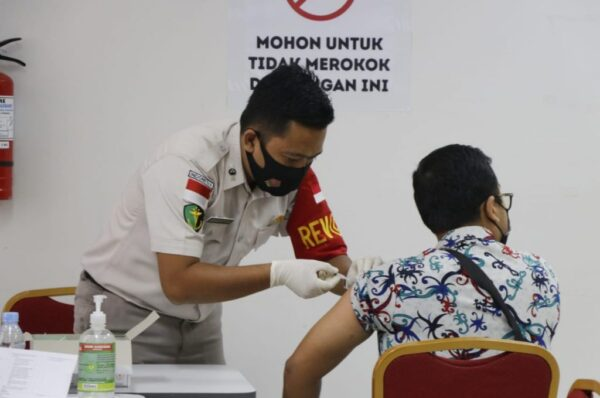 Dinkes Kaltara Vaksinasi Tahap Dua untuk ASN Dan Tenaga Pengajar